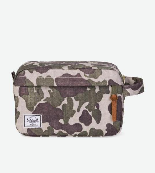 Herschel Supply Co. Chapter Travel Kit in Frog Camo NWT Free