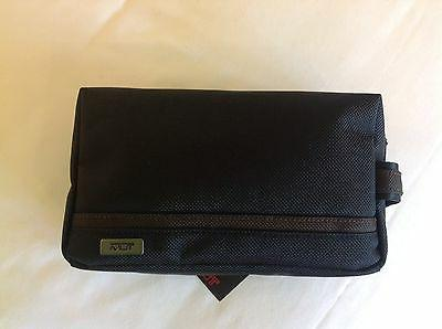 nwt small kit electronic zipper pouch bag