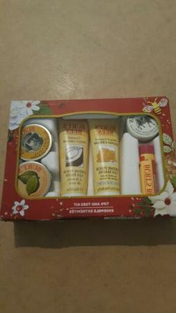 New BURT'S BEES Tips and Toes Kit Ensemble - Travel Size